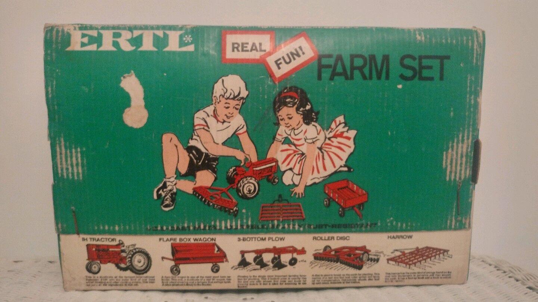 116 ERTL fattoria trattore giocattolo internazionale e autoro Spazzaneve Set In Scatola verde