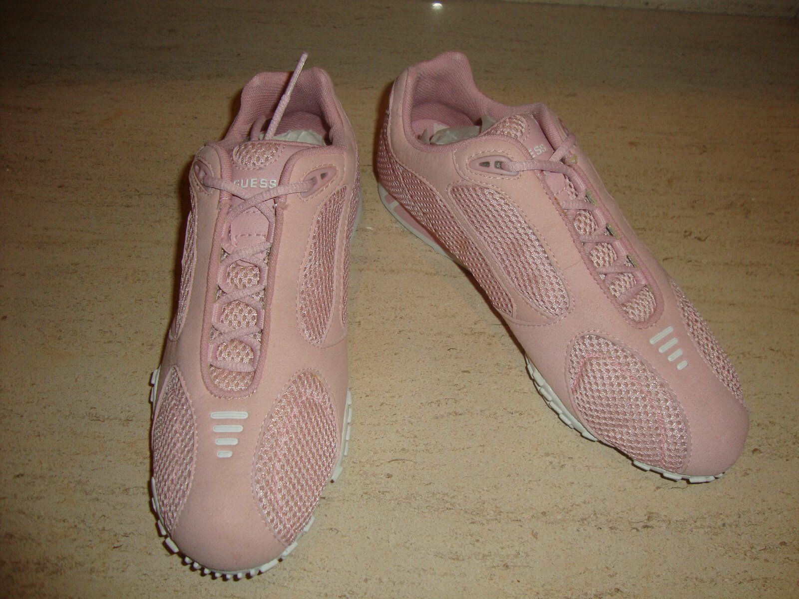 STYLISH PINK LEATHER & MESH SNEAKERS BY GUESS SIZE 7 (NWOB)