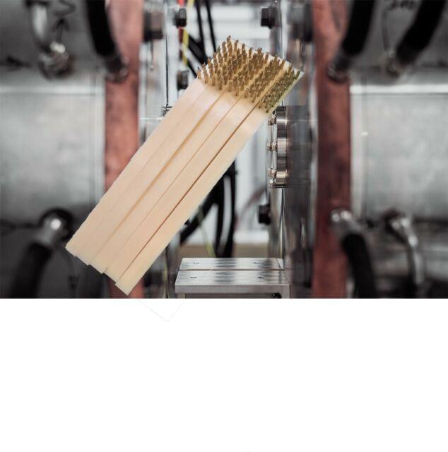 White O3Q3 5 Pieces 6.9-inch Plastic Handle Brass Bristle Wire Brush