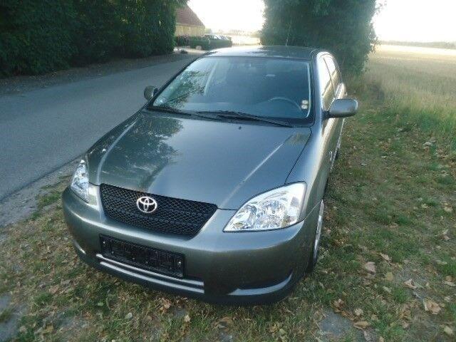Toyota Corolla 1,6 VVT-i Terra Benzin modelår 2004 km