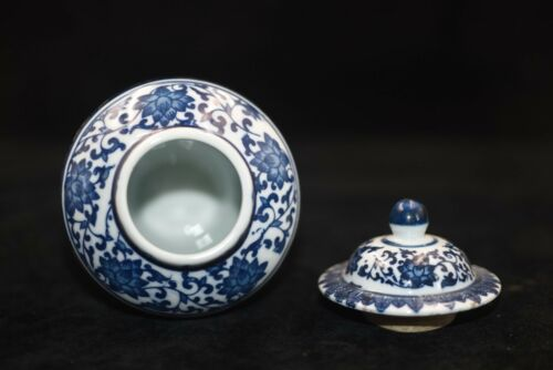 Exquisite Old Chinese Hand-painted blue and white porcelain vase qianlong YTR