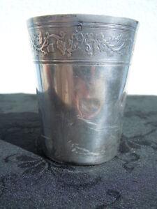 Gobelet Timbale argent massif décor de vignes poinçon minerve d'époque 19ème