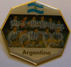 WORLD-CUP-94-USA-SOCCER-ARGENTINA-TEAM-PIC-FIFA-FOOTBALL-vintage-pin-badge-Z8J