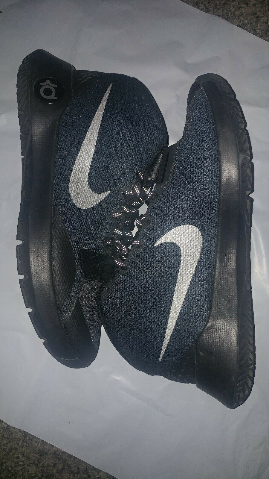 EXCELLENT NIKE KD TREY 5 III BASKETBALL SHOES SIZE 10 (749377 001)