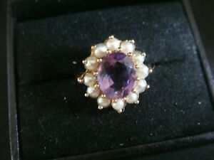 A-VINTAGE-LARGE-NATURAL-AMETHYST-amp-PEARL-9CT-GOLD-COCKTAIL-RING-SIZE-P
