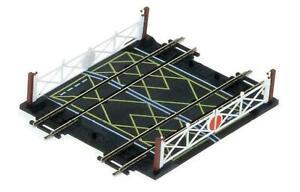 Hornby-R636-OO-Gauge-Nickel-Silver-Double-Track-Level-Crossing