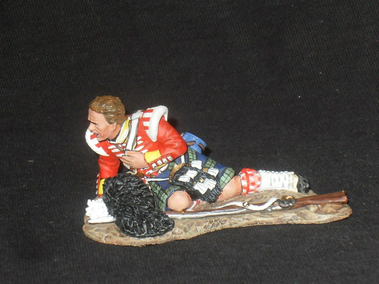 KING AND COUNTRY CRIMEAN WAR CRW17 93RD HIGHLANDER WOUNDED.