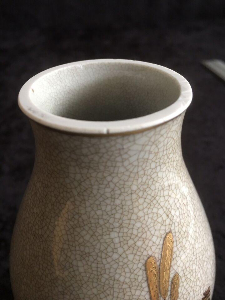 Porcelæn, VASE I KRAKELE
