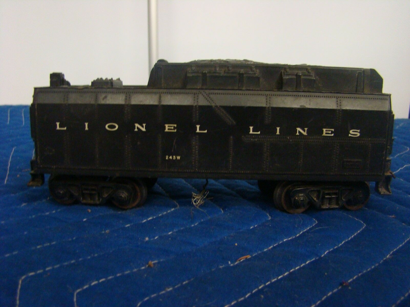 LIONEL POST WAR O 243W LIONEL LINES WHISTLE TENDER**FREE SHIPPING
