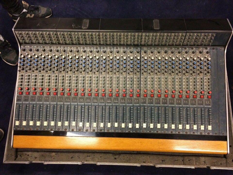 Mixer, Midas Pro 40 T
