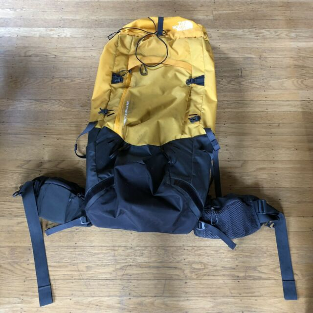 6764c6e09 $399 The North Face Matthes Crest 72L S/M Internal Frame Hiking Backpack Bag
