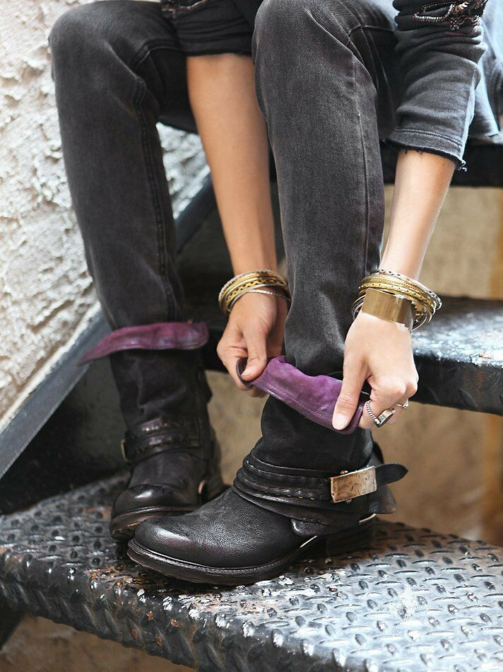 NWOB Free People AS 98 Daxton Buckle Buckle Buckle Ankle Boot Black Leather 37 7  398 Sold Out 70bf62