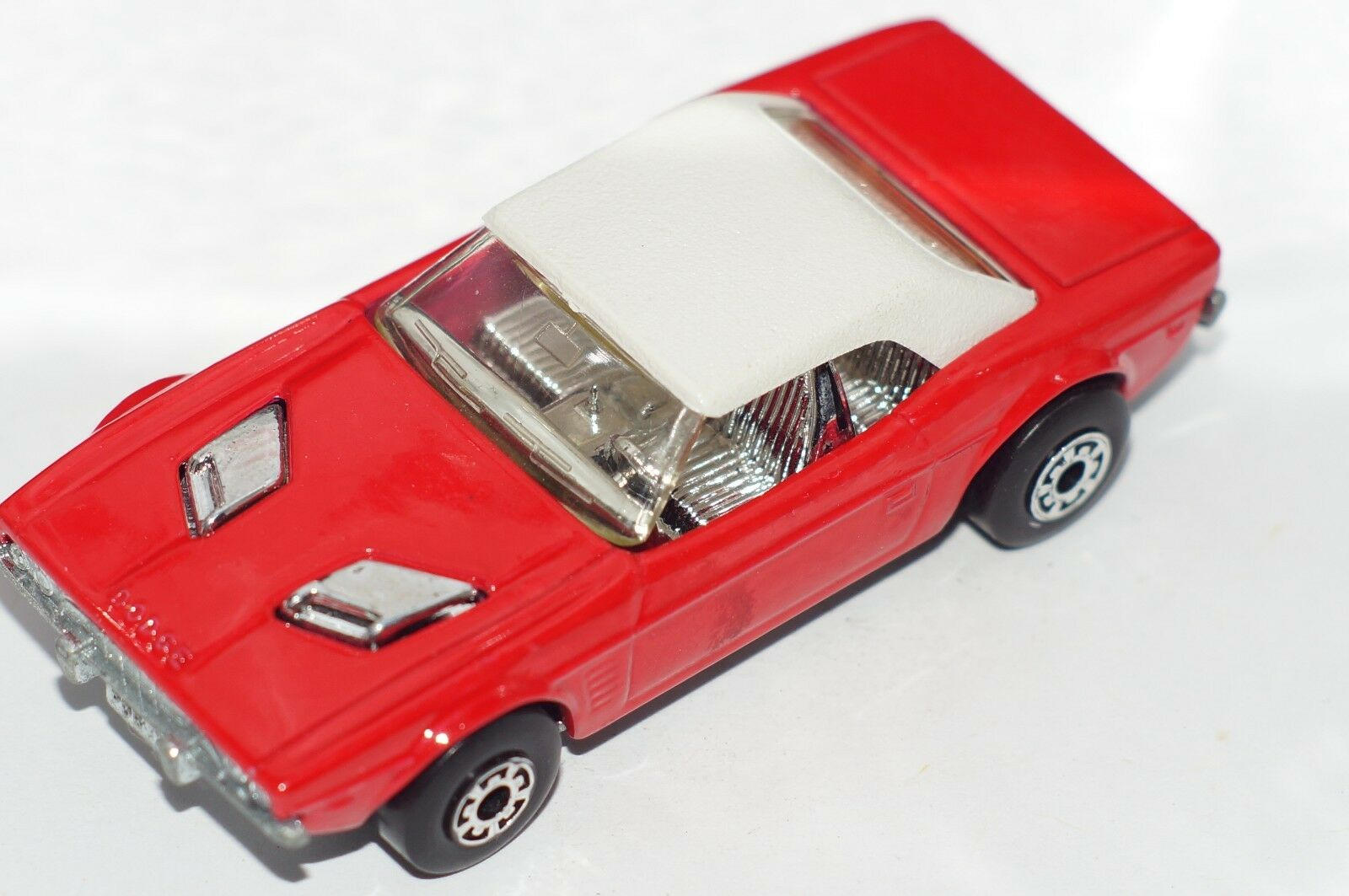 ORIGINAL Matchbox Superfast Dodge Challenger No 1 - Red color - Lesney - England