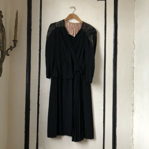 Vintage 1940s crêpe Lace peplum evening dress