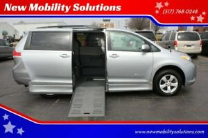 2012-Toyota-Sienna-LE-Mobility-7-Passenger-4dr-Mini-Van