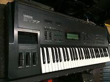 Yamaha SY77 61 key keyboard ,SY 77  //ARMENS//.