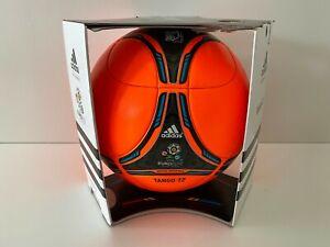 adidas-Ball-Winterball-Matchball-OMB-Tango-12-UEFA-EM-2012-Polen-Ukraine-NEU