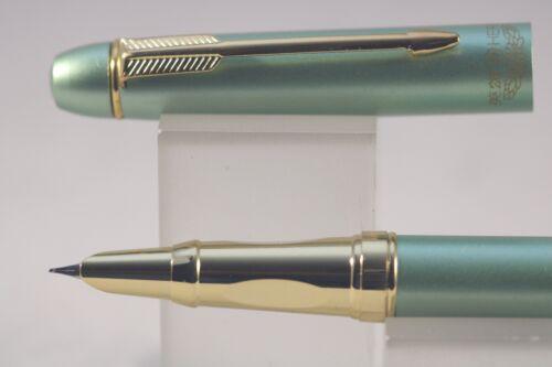 7035 Sea Green Fine Fountain Pen with Gold Trim HERO No