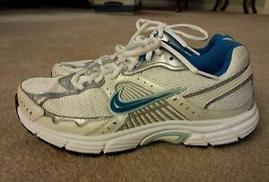71929d446c88 Women s NIKE DART 7 Blue White Silver Athletic Shoes Size 9.5 EUC