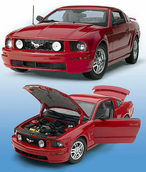 2005 Ford Mustang GT V-8 (RED) B11E258 Diecast 1 24 Hardtop by Franklin Mint