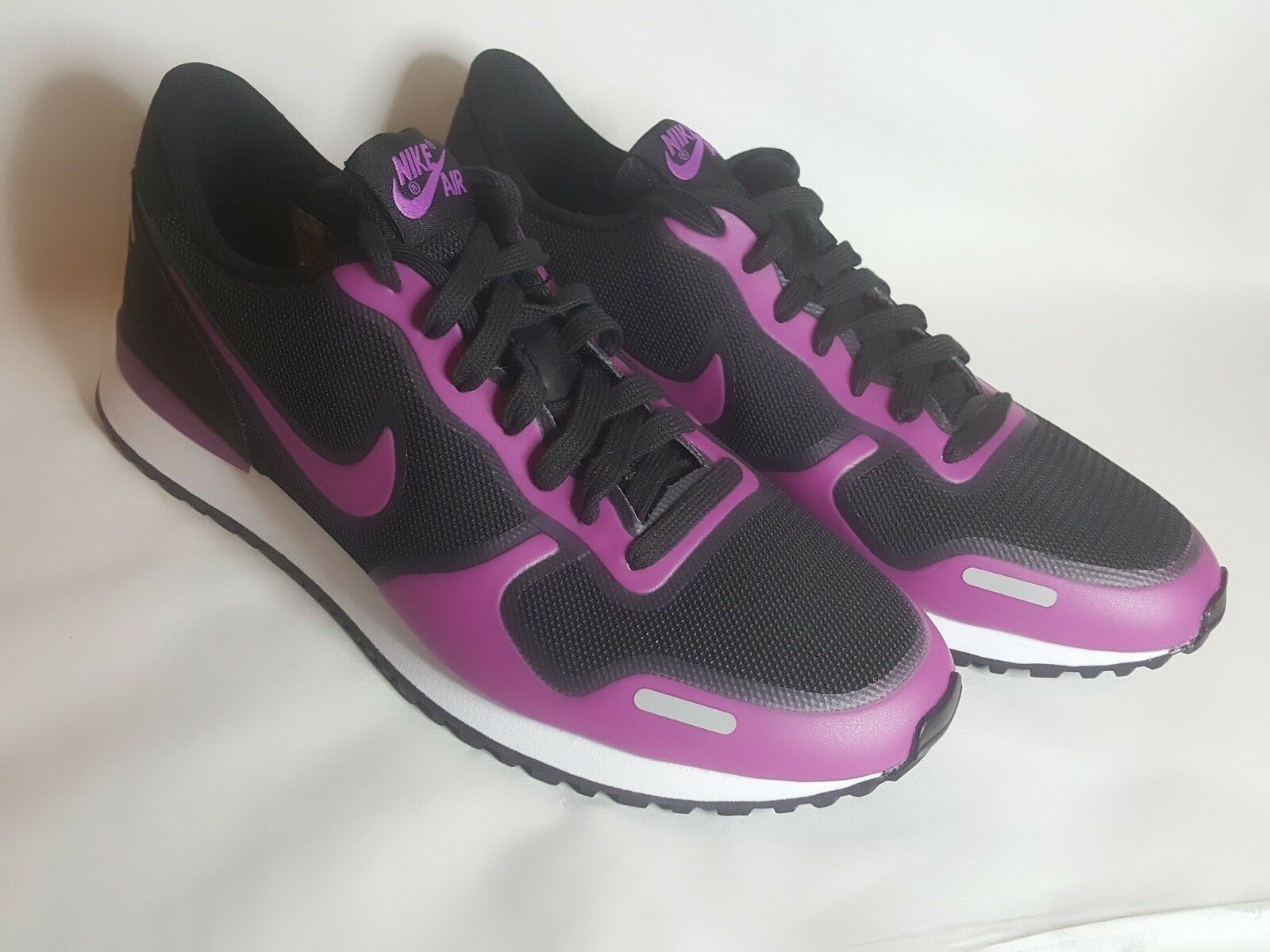 Nike Air Vortex Hyperfuse  Size 9 Nero/Pink/White