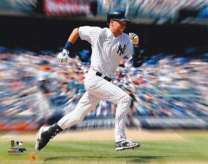DEREK-JETER-NEW-YORK-YANKEES-UNSIGNED-8x10-PHOTO-C
