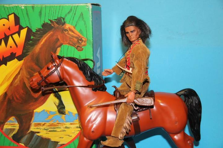 Vintage Big Jim MATTEL KARL MAY Hatatitla Horse mib and Winnetou FIGURE