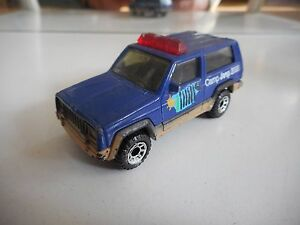 Matchbox-Jeep-Cherokee-034-Camp-Jeep-2000-034-in-Bleu