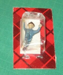 9 - HO Weston figures assorted people nude miniature
