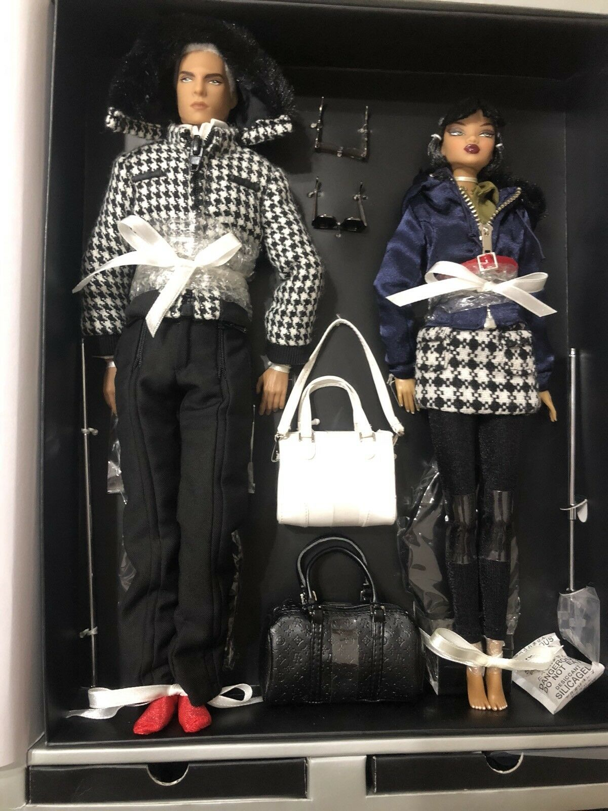 Checking Out Francisco And Colette - Fashion Royalty- Jason Wu NRFB 2 Doll Set