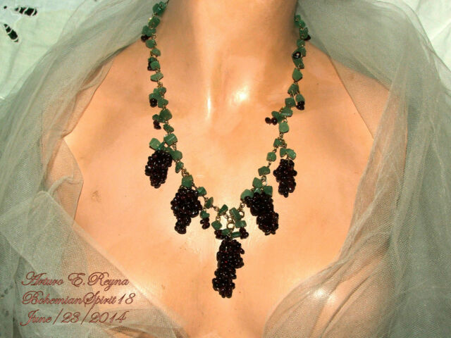 ARTISAN AWESOME GRAPES BUNCHES NATURAL GARNET/AVENTURINE WIRE CONNECTED NECKLACE