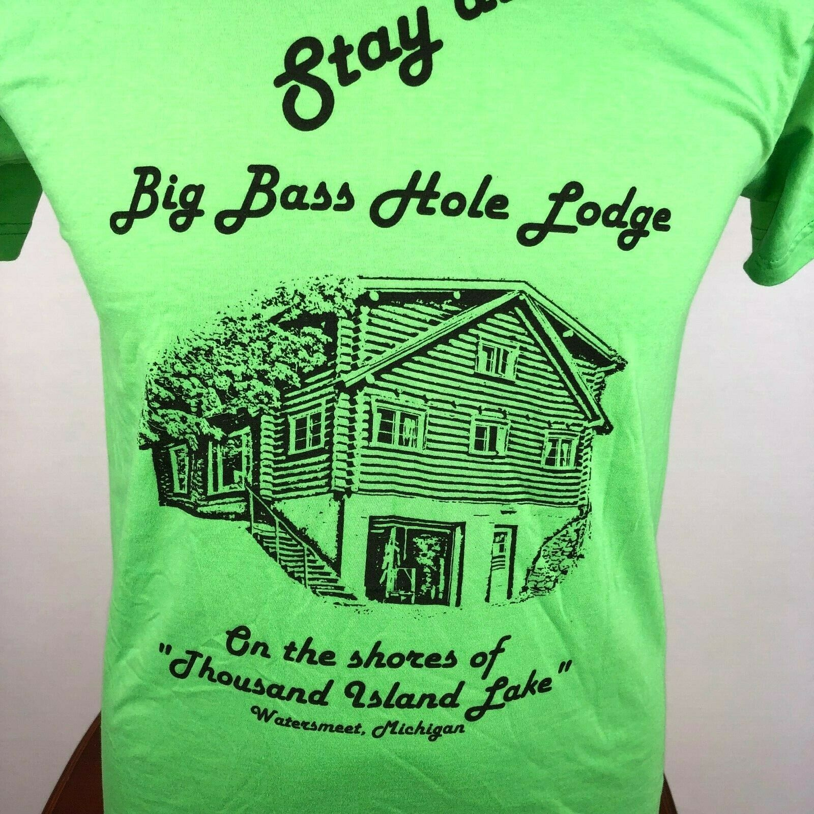 Stay At Big Bass Hole Lodge Watersmeet MI Mens M Graphi