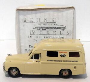 Modèles Kenna à l'échelle 1/43 - Ambulance Vanguard Standard Tracteurs Massey Ferguson