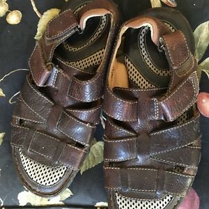c6b81f05e77b Men s Brown Leather BORN STRAFFORD FISHERMAN Sandals Shoes M6421 ...