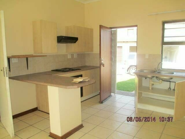 3 Bedroom Townhouse For Sale in Brits Central