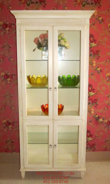Ethan Allen Swedish Home Lighted China Curio Cabinet 10 9409 Linen Finish