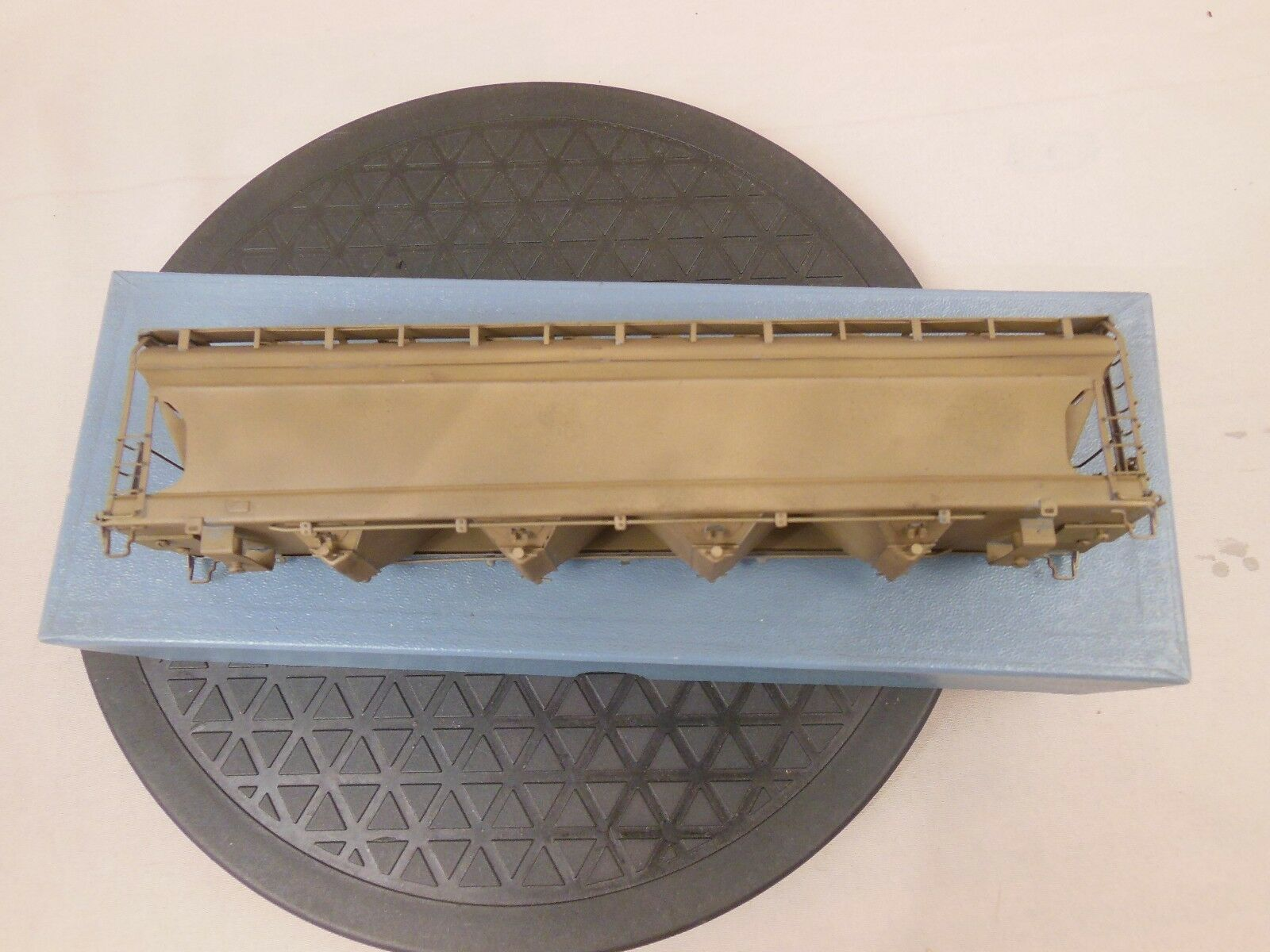HO WALTHERS BRASS 8851 ACF CENTER FLOW CF 5250 4 BAY COVErot HOPPER CAR BODY 3 3