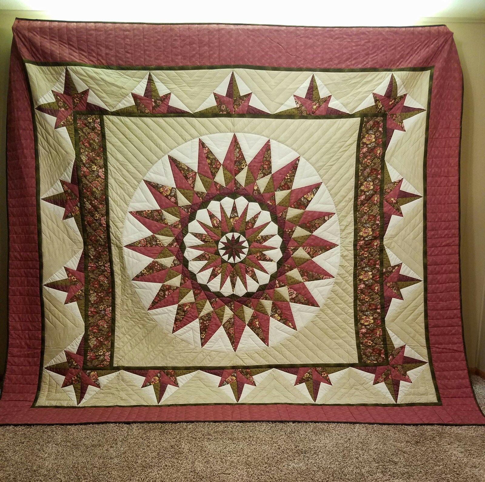 Giant Dahlia Compass   QUILT  Handmade by Amish-Mennonite Seamstresses