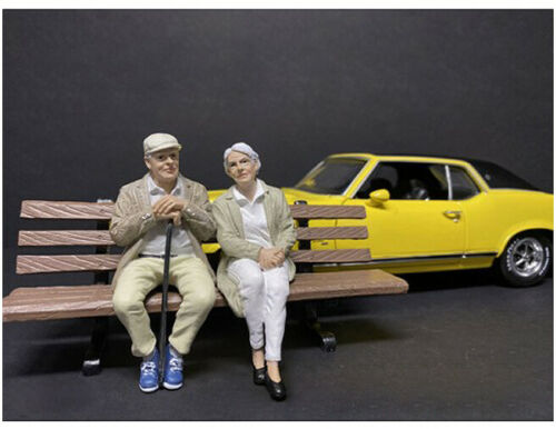 Sitting Old Couple 2 Piece Figurine Set For 1//24 Scale Models By American