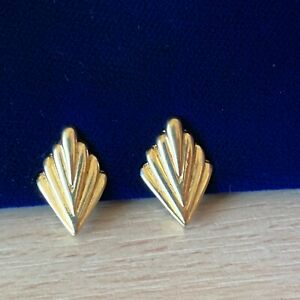 Clip-on-Earrings-80s-Gold-Tone-Deco-Style-Fan-Signed-PATENTED