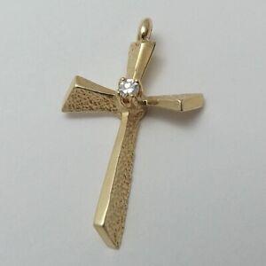 14K-Gold-Modernist-Diamond-3D-Cross-Charm-Pendant-1-2-gr