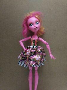 Monster-High-Doll-Large-18-034-Pink-Gooliope-Jellington-Freak-Du-Chic-2014