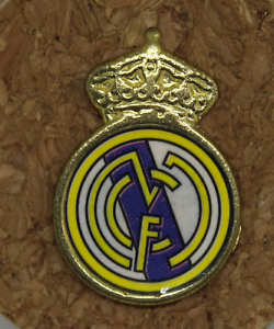 Pin Real Madrid Shield, Brand Chic IN Reverso. Years 80