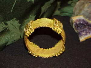 Beautiful-Haute-Couture-Gold-18kGP-Huge-Flexible-Cuff-Statement-Bangle-Bracelet