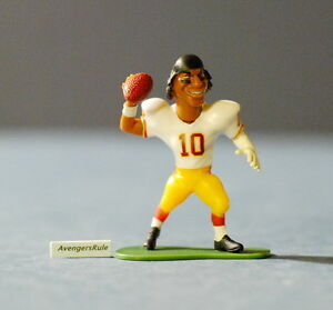 McFarlane Toys Action Figure Red NFL smALL PROS Series 1 ROBERT GRIFFIN III