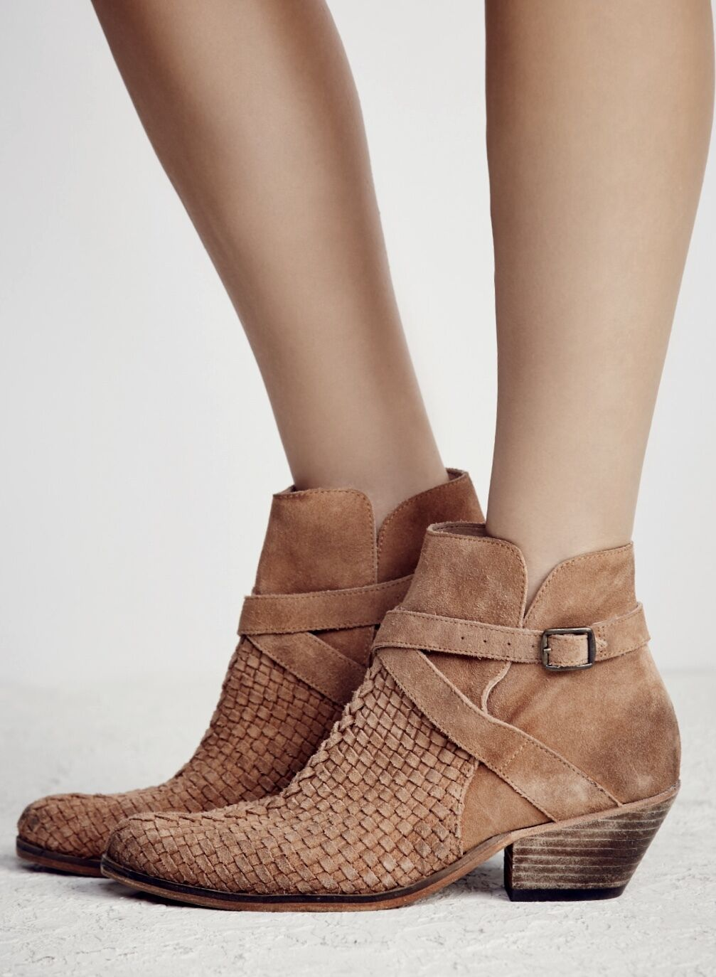NEW Free People nude tan suede Distress Weaved Ankle Buckle Stiefel 38