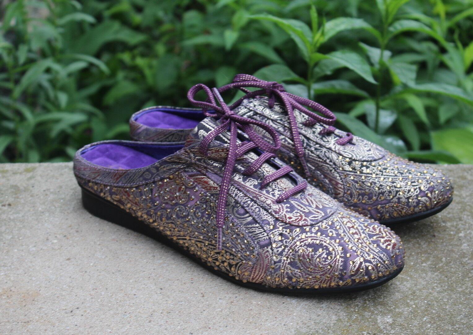Joan Boyce - 11W 11 W Art-to-Wear Crystal Paisley Purple FUNKY Slide Mules Schuhes