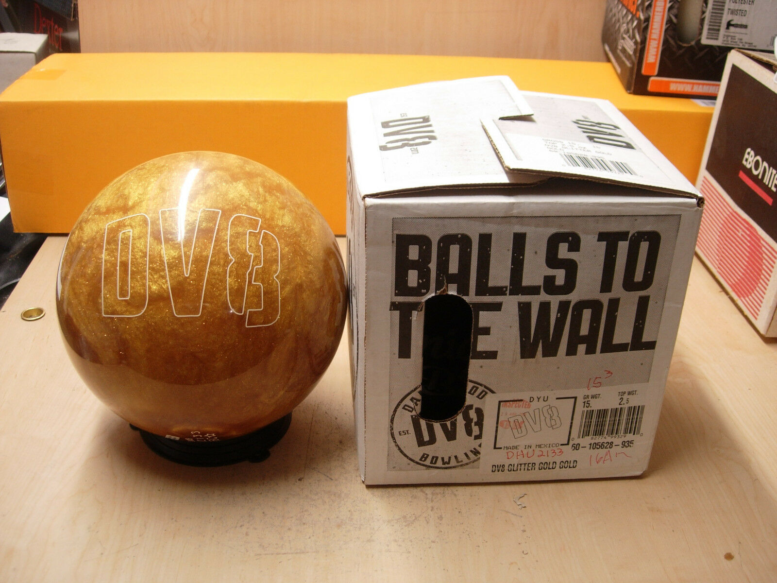 15TW 2.5 DV8 GLITTER gold GLD Polyester Bowling Ball