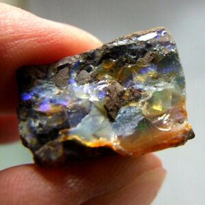 Boulder-Opal-with-Blue-Fire-Queensland-Australia-Unpolished-5-7g-21mm