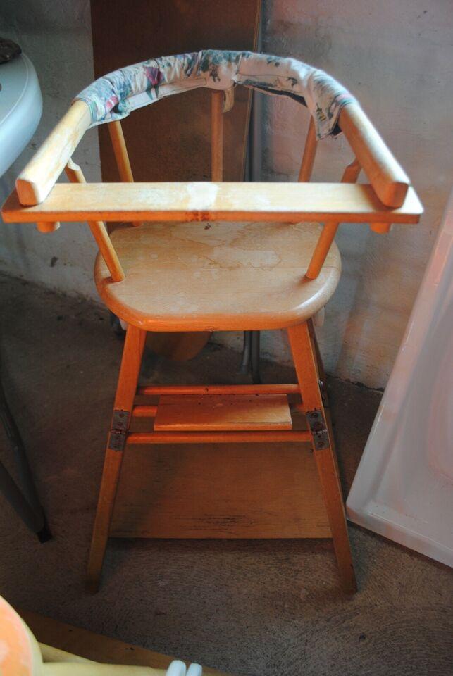 Højstol, kan laves om til legebord